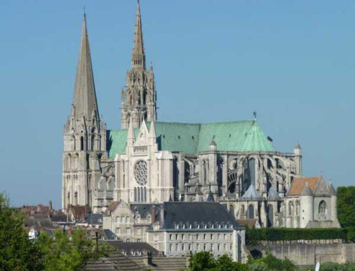 Cathédrale-de-Chartres-franchementbien